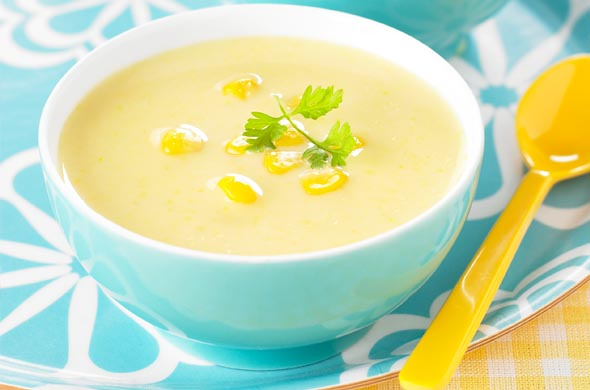 Maïs cuisiné en soupe pour bébé