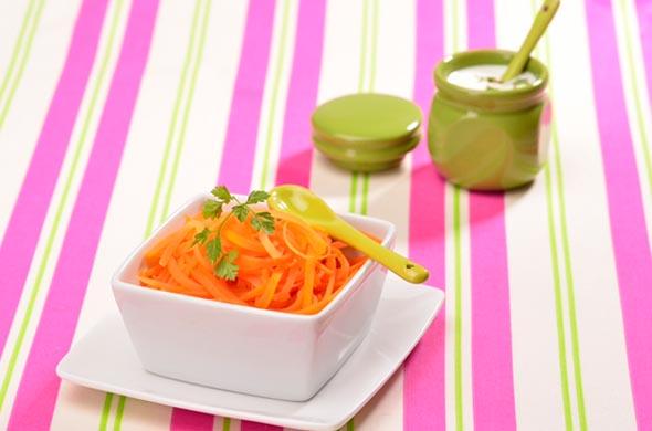 Recette de carottes rapées vapeur pour bébé dès 9 mois