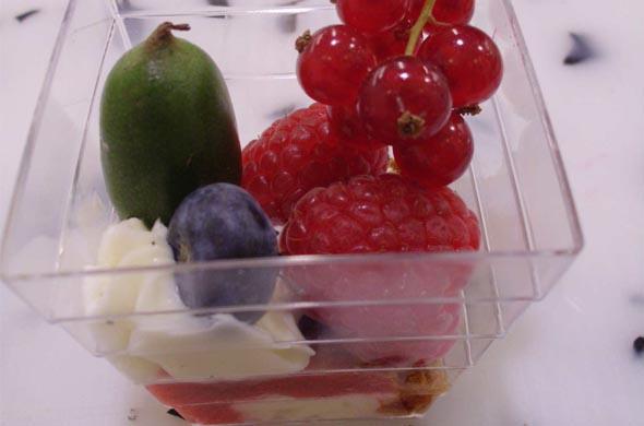 Les recettes de Cyrille Zen pour bébé : «Verrine de crème vanillée aux spéculoos  et fruits rouges.»