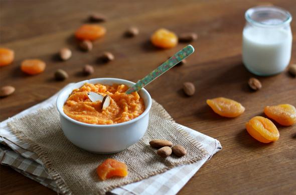 Purée de carottes, abricots secs et lait d'amandes