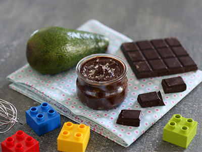 Little pots of chocolate and avocado