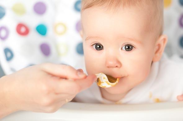 Die Entwicklung des Geschmackssinns beim Baby