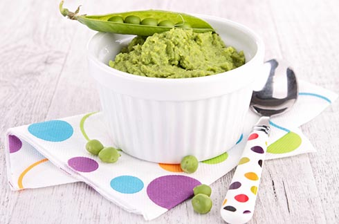 Puréed Peas with coriander for pregnent mums