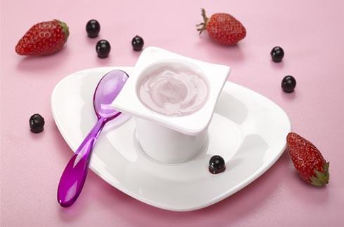 confiture de fraise cassis et yaourt