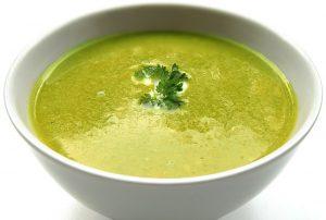 Petite soupe de courgette au gruyère