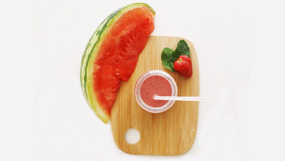 Milkshake fraise-pastèque-menthe